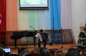 Отчетный концерт отделения народных инструментов 2017г08